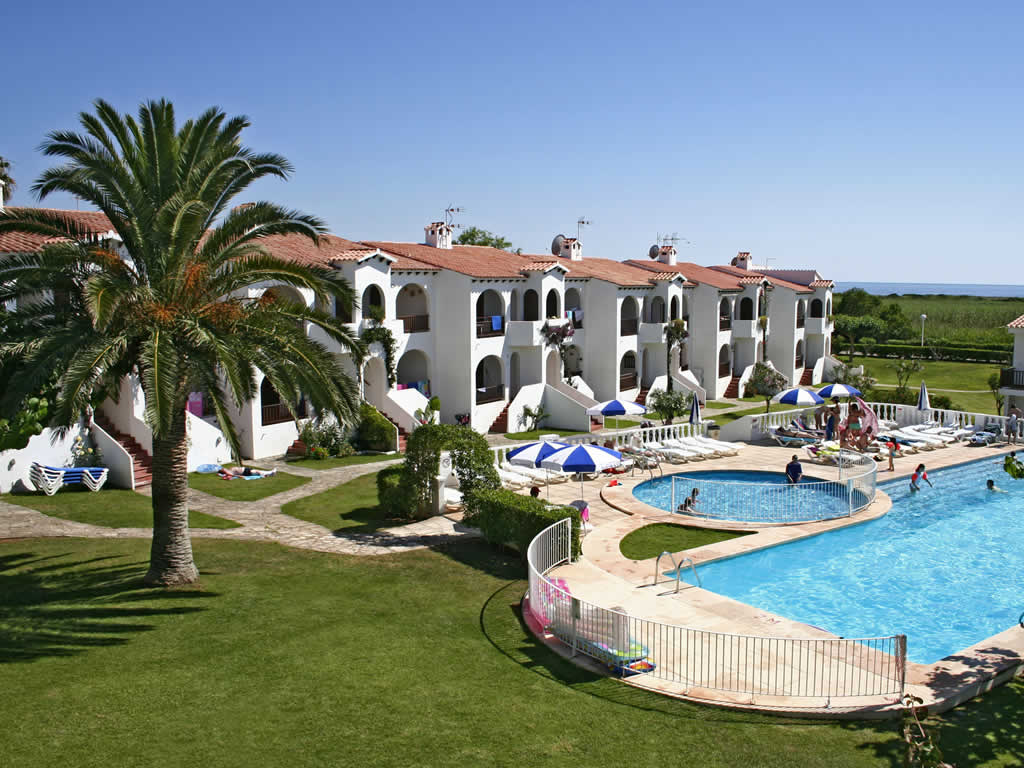 Girasol Gardens Superior Apartments in Son Bou, Menorca