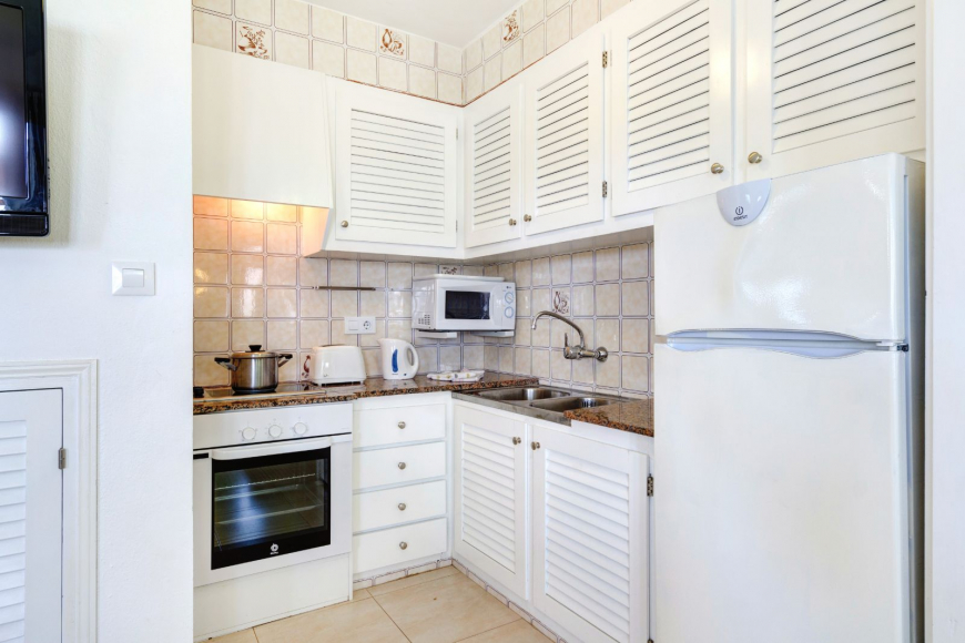 Son Bou Playa Apartments (3 bedroom) Picture 10