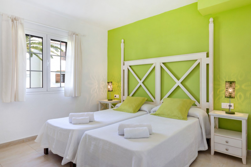 Son Bou Playa Apartments (3 bedroom) Picture 13