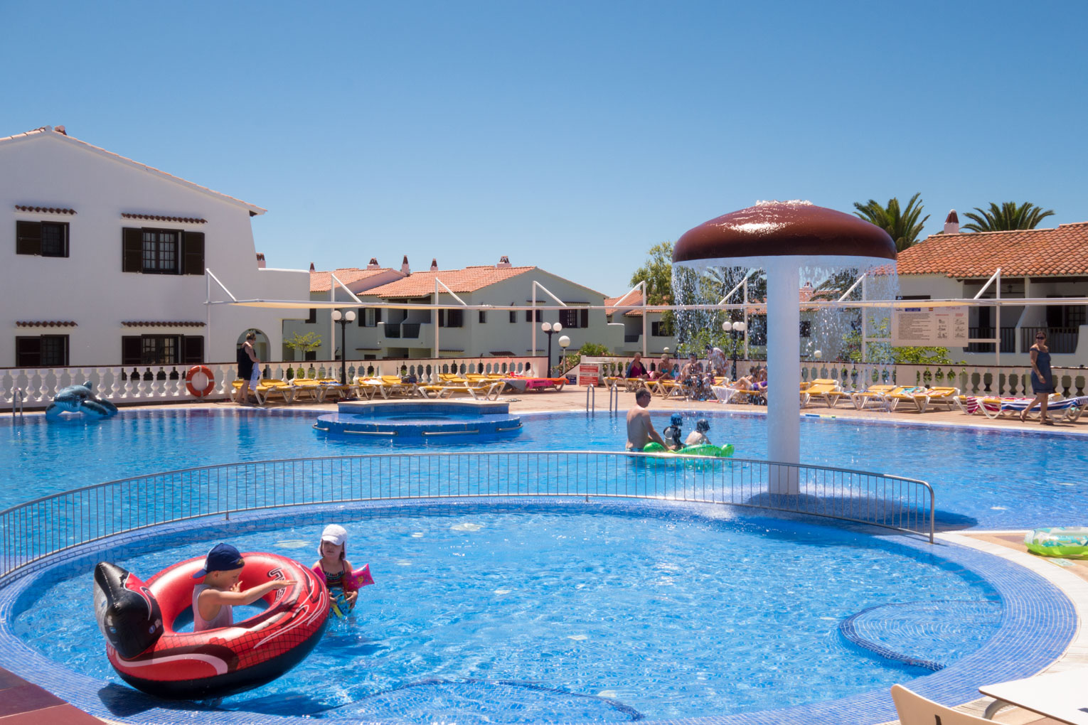 Son Bou Playa Apartments (2 bedroom) Picture 6