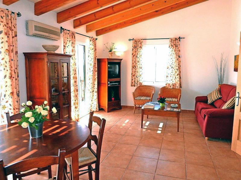Villas Menorca Sur (3 Bedrooms) Picture 7